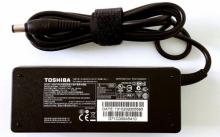 Оригинальный адаптер для ноутбук.+ кабель от сети в комплекте 19V 4,74A 5,5x2,5 Toshiba   DP-487